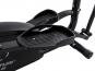Eliptický trenažér TUNTURI FitCross 40 ergonomicky tvarované nášlapy